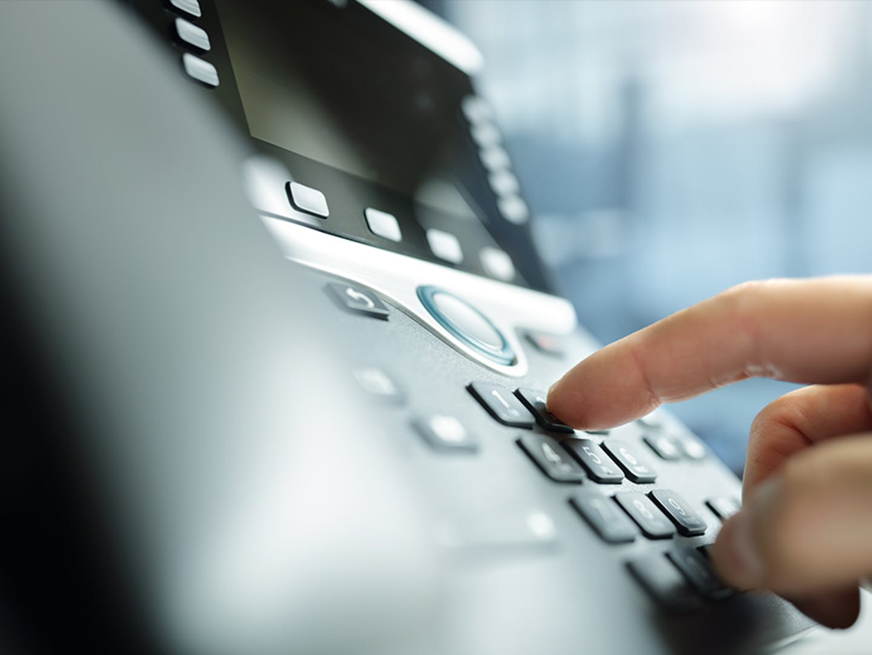 4x3-telephone-hand-large.jpg