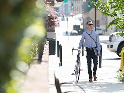 WalkingBike_GreenEnergy.png