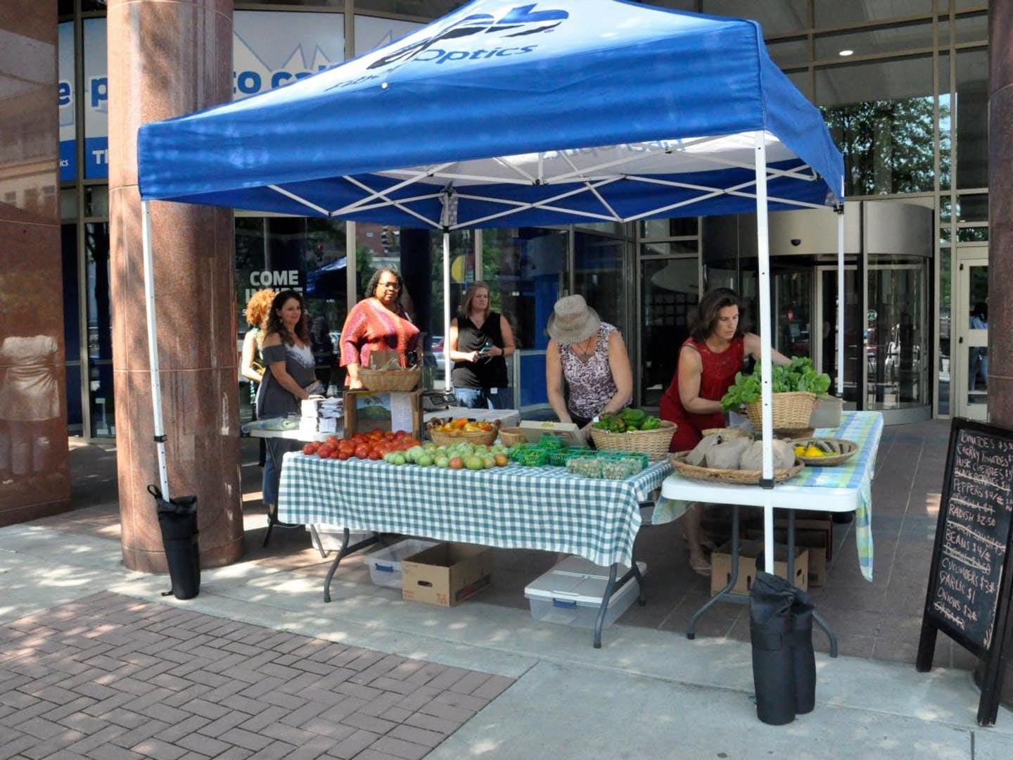 epb-and-crabtree-farms-sprout-downtown-pop-up-farm-stand.jpeg